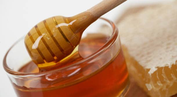 The Sweet Way to Fight Allergy Symptoms with Honey