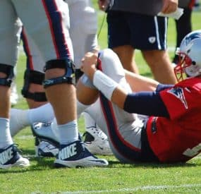 Tom Brady Injures Knee In Practice; MRI Negative