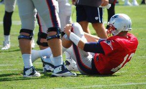 Tom Brady Injures Knee In Practice; MRI Negative