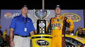 Kyle Busch Locks Up Spot In Chase With Win In Atlanta
