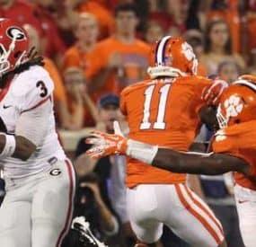 College Football Kicks Off 2014 Season