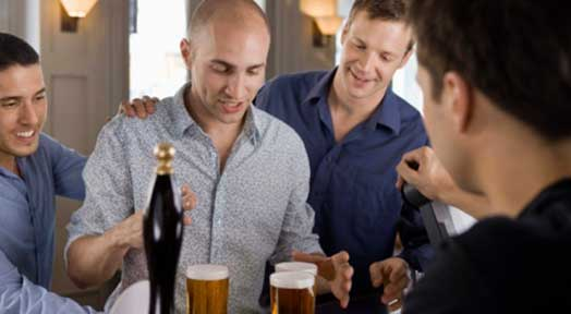 Bar Tricks to Get a Buddy to Pay for Your Drinks