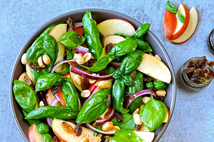 Top 13 Diet and Exercise Rules for Long Lasting Results eat leafy greens